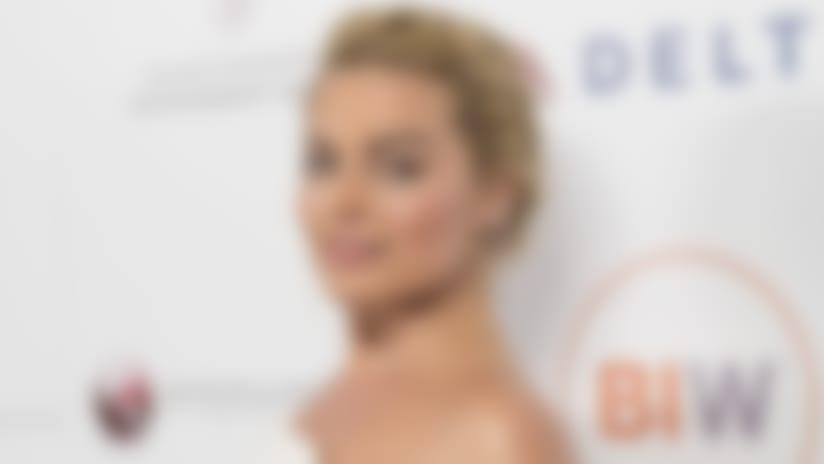 Margot Robbie-141204-TOS.jpg