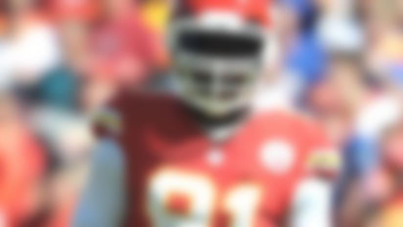 Kansas City Chiefs' defense smothers Oakland Raiders