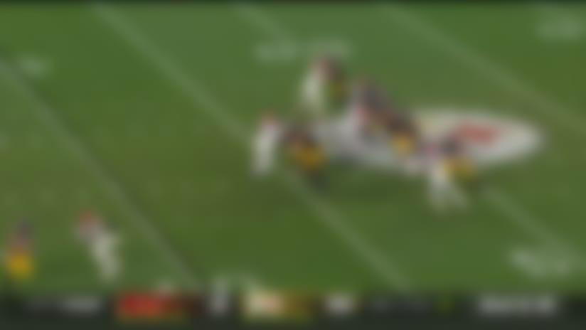 Rudolph uncorks fadeaway pass to diving Vannett for impressive first down