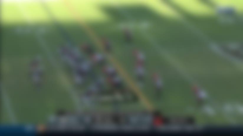 Carl Lawson dusts Raiders OL for sack