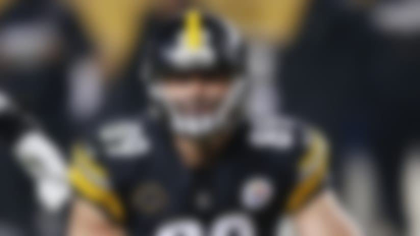 Pittsburgh Steelers tight end Vance McDonald (89) plays in an NFL football game against the Baltimore Ravens, Sunday, Dec. 10, 2017, in Pittsburgh. (AP Photo/Keith Srakocic)