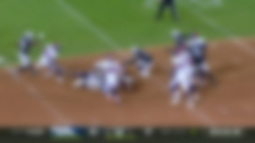 Raiders' huge third-down sack of Flacco drops Broncos out of FG range