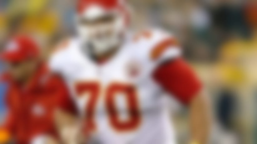 Ex-Jets, Chiefs DE Mike DeVito announces retirement