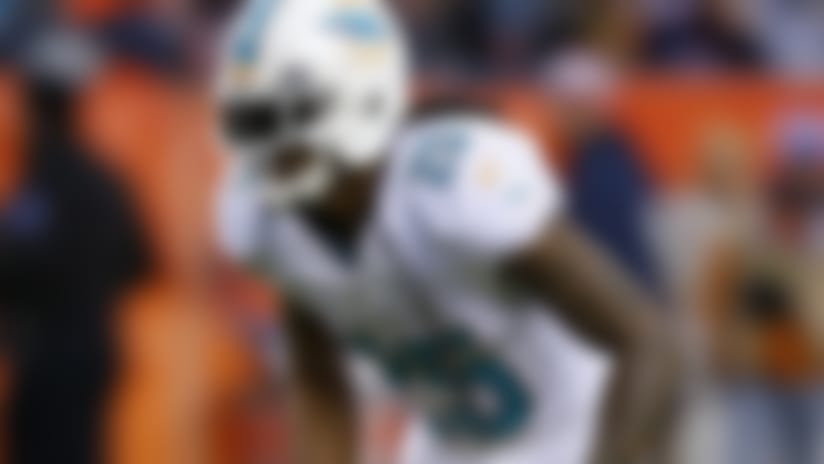 Miami Dolphins re-sign safety Louis Delmas