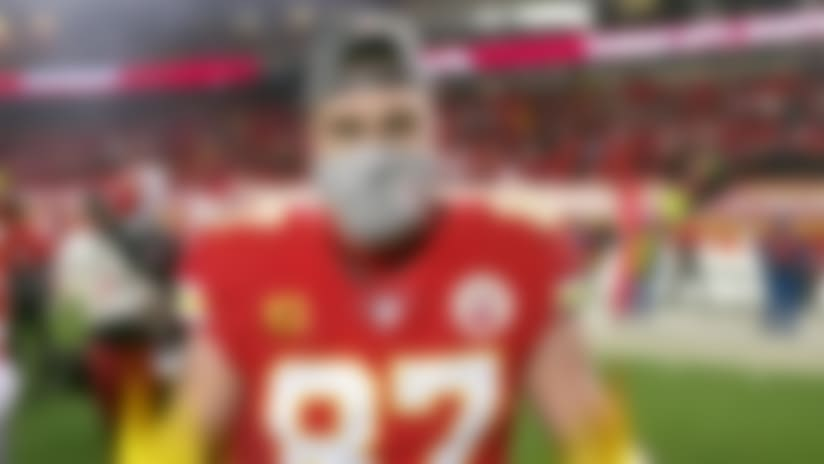 Travis Kelce celebrates AFC championship victory