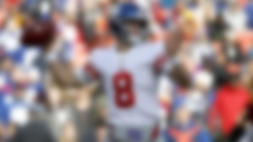 Daniel Jones, quarterback de los Giants de Nueva York, lanza un pase en el partido ante los Redskins de Washington, el domingo 22 de diciembre de 2019 (AP Foto/Patrick Semansky)