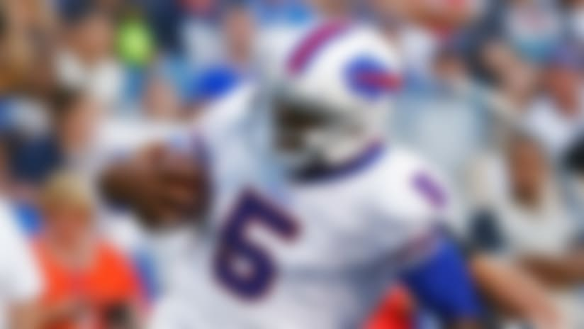 Tyrod Taylor most impressive of Bills quarterbacks