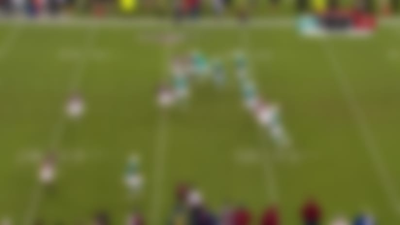 Josh Rosen evades defenders on 22-yard pass