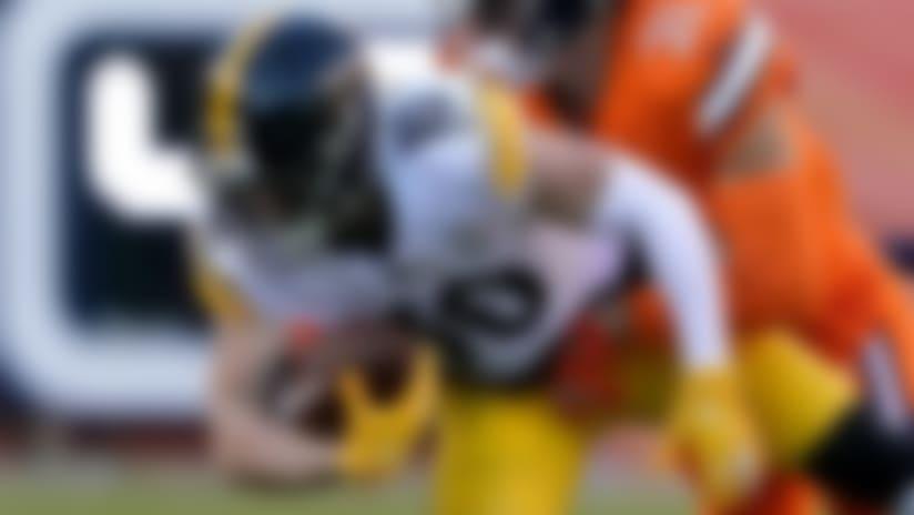 Switzer secures tough catch between defenders