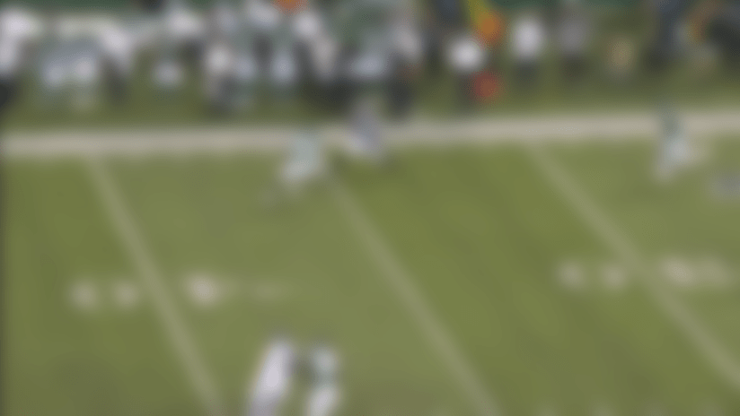 Sony Michel's brother hangs on for tough 25-yard catch from Thorson