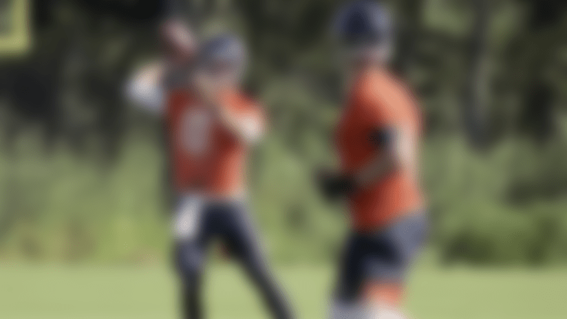 First look: Mitchell Trubisky, Nick Foles throwing at Bears camp