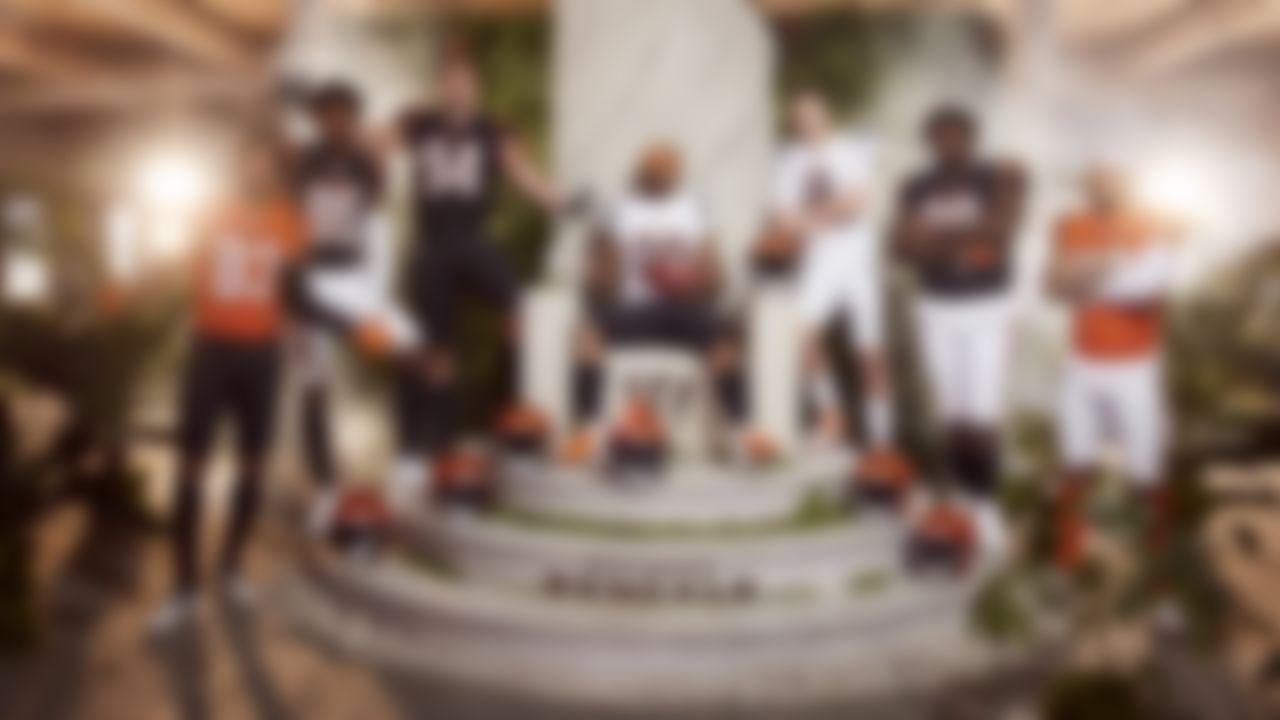 Cincinnati Bengals pose in the new Bengals 2021 uniforms.