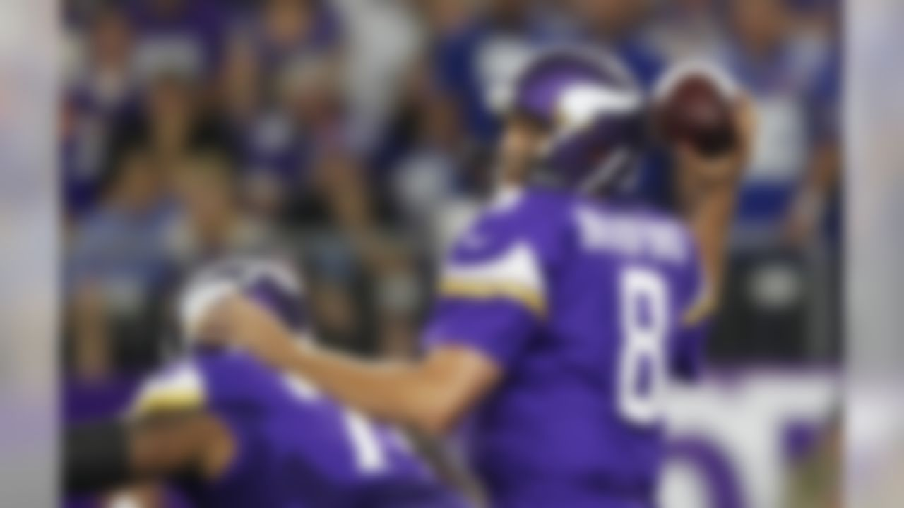 Minnesota Vikings quarterback Sam Bradford throws a pass during the first half of an NFL football game against the New York Giants on Monday, Oct. 3, 2016, in Minneapolis. (AP Photo/Andy Clayton-King)