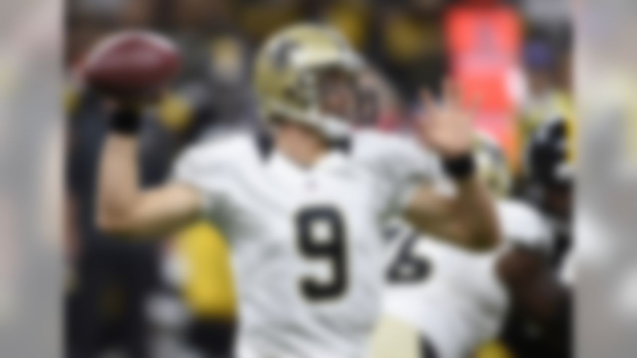 New Orleans Saints quarterback Drew Brees (9) works against the Pittsburgh Steelers during the first half of an NFL preseason football game, Friday, Aug. 26, 2016, in New Orleans. (AP Photo/Bill Feig)