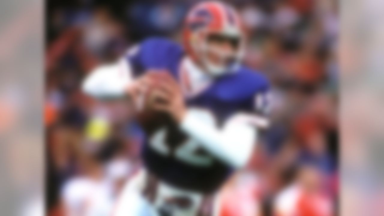 Buffalo Bills, 1986-1996 » Voted to Pro Bowl five times, First Team All-Pro once » 35,467 career passing yards, 237 career touchdowns » 101 career victories » Enshrined in Pro Football Hall of Fame
