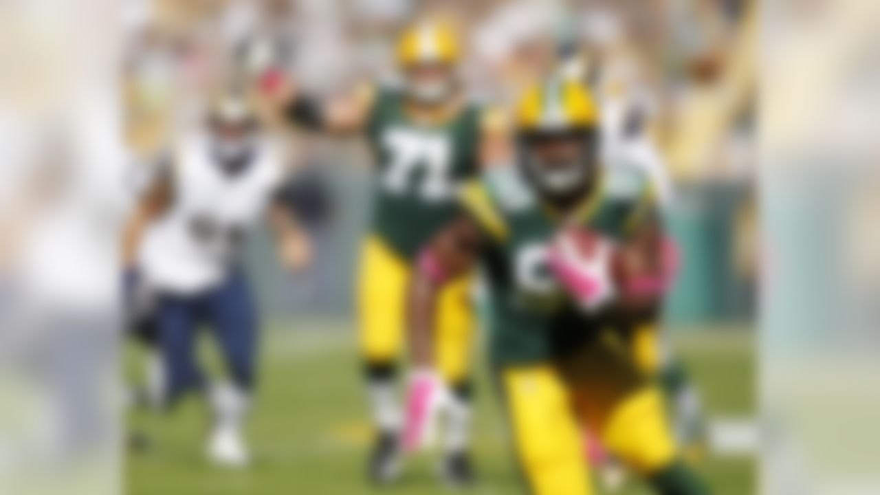 Green Bay Packers' Ty Montgomery catches a touchdown pass during the first half  an NFL football game against the St. Louis Rams Sunday, Oct. 11, 2015, in Green Bay, Wis. (AP Photo/Matt Ludtke)