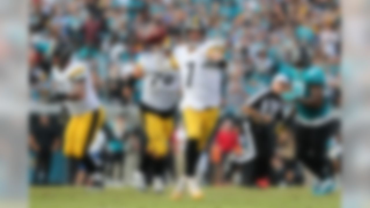 Pittsburgh Steelers quarterback Ben Roethlisberger (7) throws a pass during an NFL football game against the Jacksonville Jaguars on Sunday, Nov. 18, 2018 in Jacksonville, Fla. The Steelers won 20-16. (Perry Knotts/NFL)