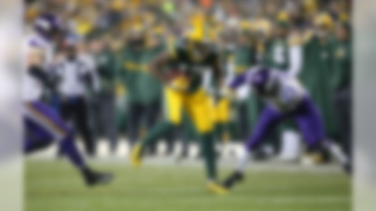 Green Bay Packers wide receiver Davante Adams (17) runs the ball during an NFL football game against the Minnesota Vikings on Sunday, Jan. 3, 2016 in Green Bay, Wisc. (Todd Rosenberg/NFL)