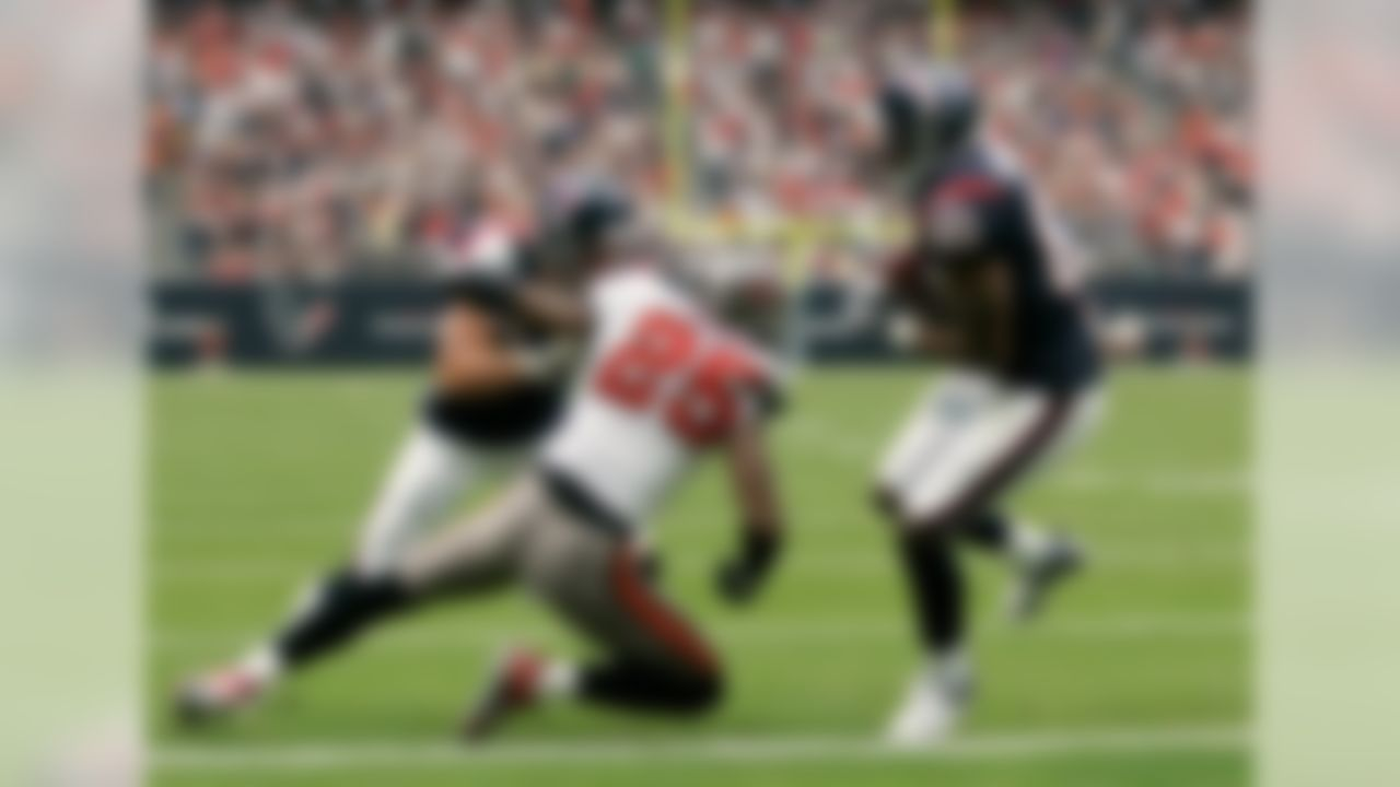 HOUSTON - DECEMBER 9: Andre Johnson #80 of the  Houston Texans scores a touchdown against the Tampa Bay Buccaneers at  Reliant Stadium on December 9, 2007 in Houston, Texas. (Photo by Thomas Shea/Getty Images)