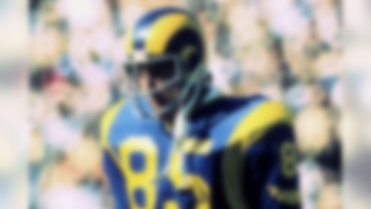 Like Pastorini, Youngblood was a big name in the late '70s, and a guy who was known to play through a lot of pain. The former Rams defensive end deserves to headline this list, as what he did in 1979 has reached legendary status.  Youngblood sustained a broken leg in the divisional playoffs versus the Cowboys, and played through it for two more games. The wounded All-Pro led a defense that shut out the Buccaneers in the NFC Championship, and that kept the Rams in Super Bowl XI, a much closer game than revisionist history suggests.