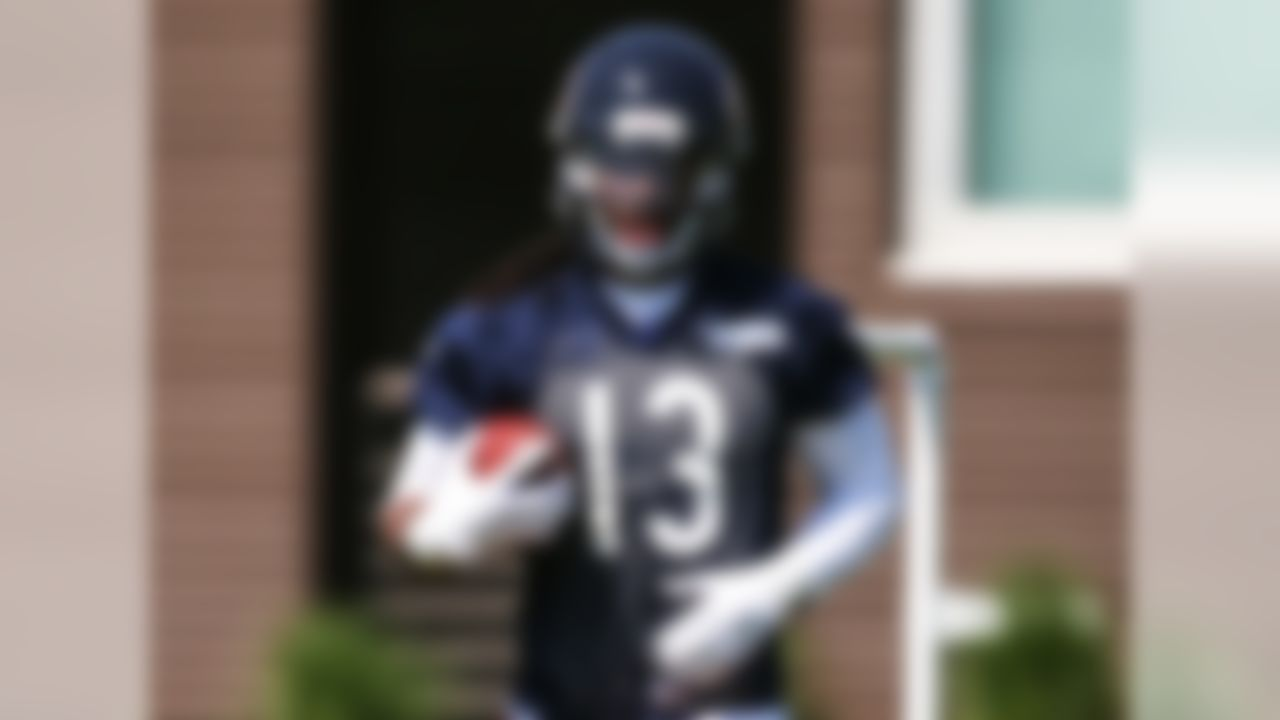 Draft position: Round 1, No. 7 overall. White was my top wide receiver in the 2015 NFL Draft, because of his combination of size (6-foot-3, 215 pounds), explosiveness and ball skills. However, he wasn't asked to run a large assortment of routes at West Virginia, and he'll need a lot of training-camp reps to get comfortable. Hopefully, he won't miss too much time with the shin injury that currently has him on the physically unable to perform list.