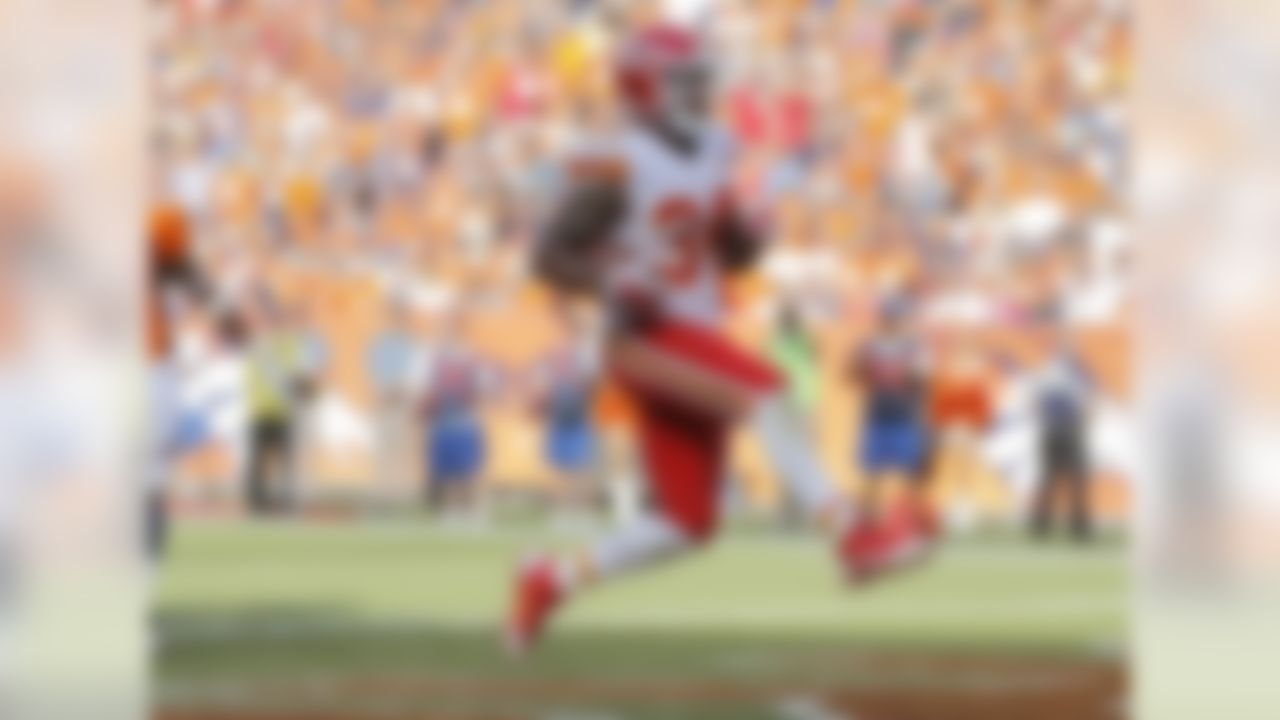 Jamaal Charles was forced to leave Week 2 with a high ankle sprain and was unable to return. In his absence, Davis went off for 28 touches, 103 scrimmage yards and a pair of touchdowns. Furthermore, you could argue that he looked better than Charles did before he went down. Last season's top fantasy runner is likely to miss some time, making Davis a viable fantasy starter in all formats.