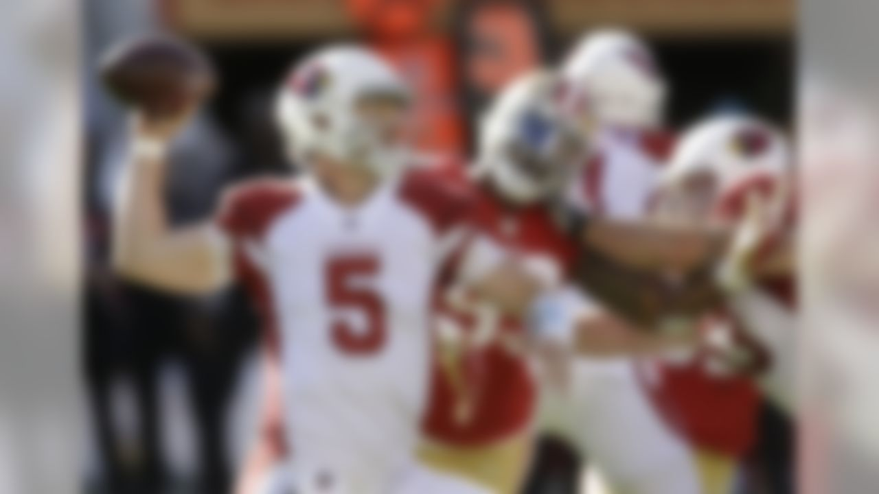 Arizona Cardinals quarterback Drew Stanton (5) passes against the San Francisco 49ers during the first half of an NFL football game in Santa Clara, Calif., Sunday, Nov. 5, 2017. (AP Photo/Ben Margot)