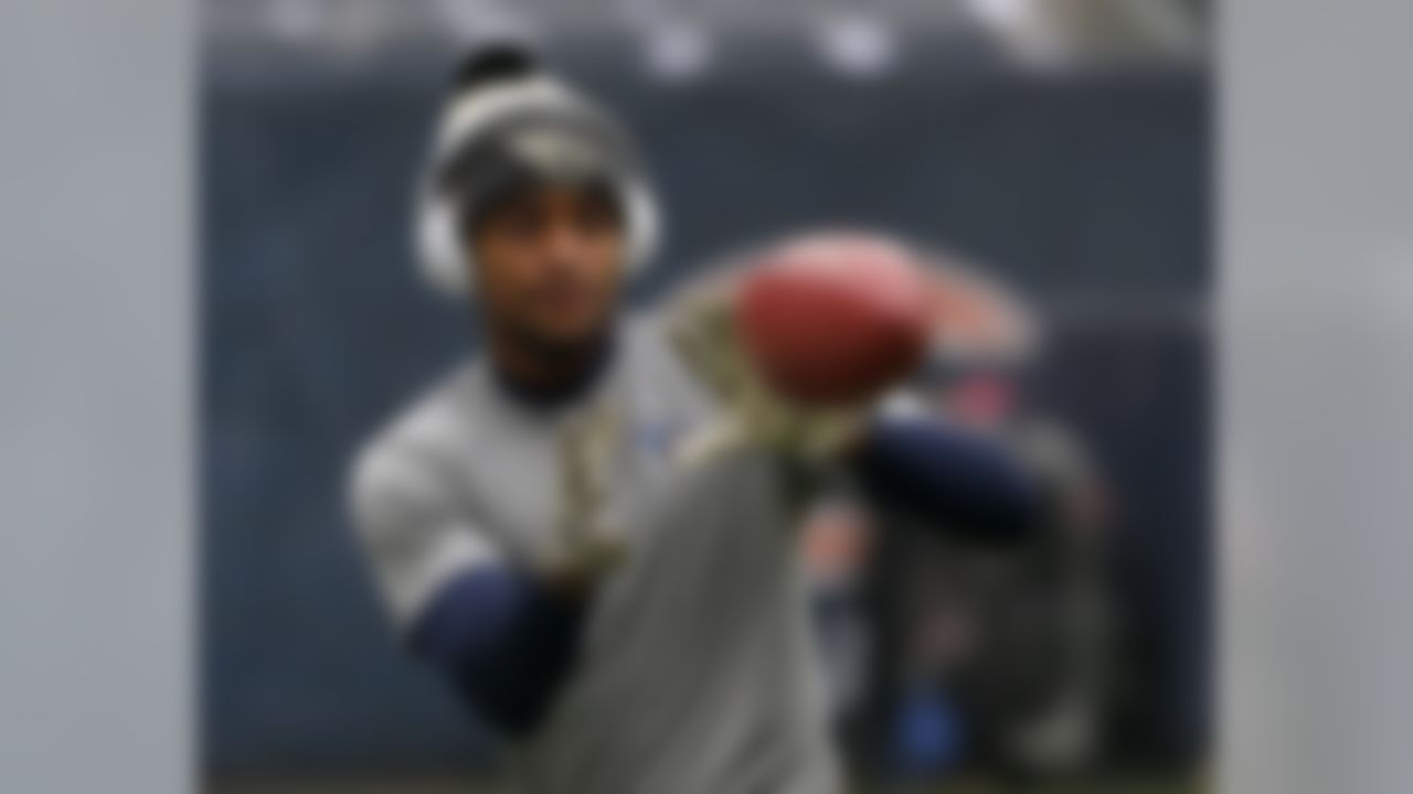 Tennessee Titans wide receiver Tajae Sharpe warms up before an NFL football game against the Chicago Bears, Sunday, Nov. 27, 2016, in Chicago. (AP Photo/Charles Rex Arbogast)