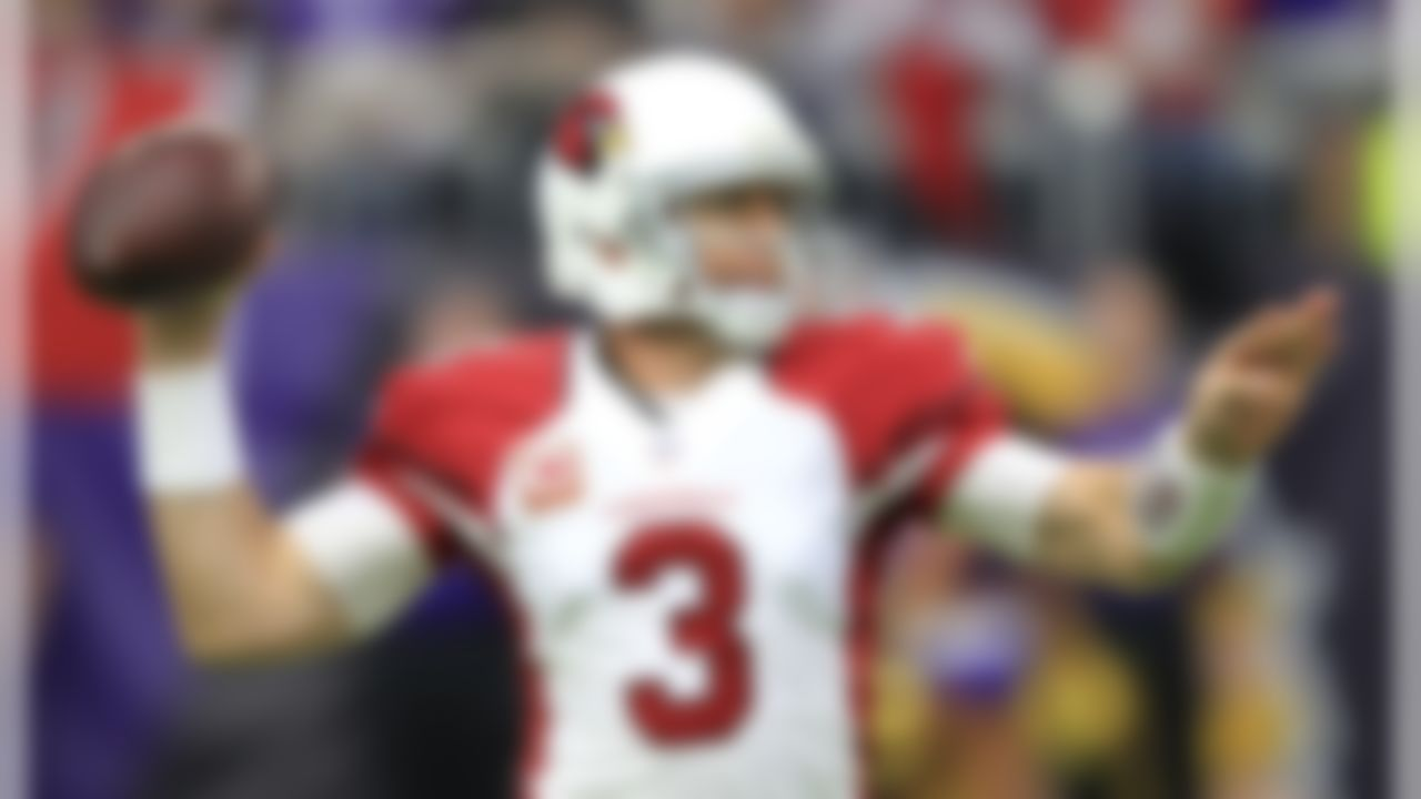 Arizona Cardinals quarterback Carson Palmer throws a pass during the first half of an NFL football game against the Minnesota Vikings, Sunday, Nov. 20, 2016, in Minneapolis. (AP Photo/Andy Clayton-King)
