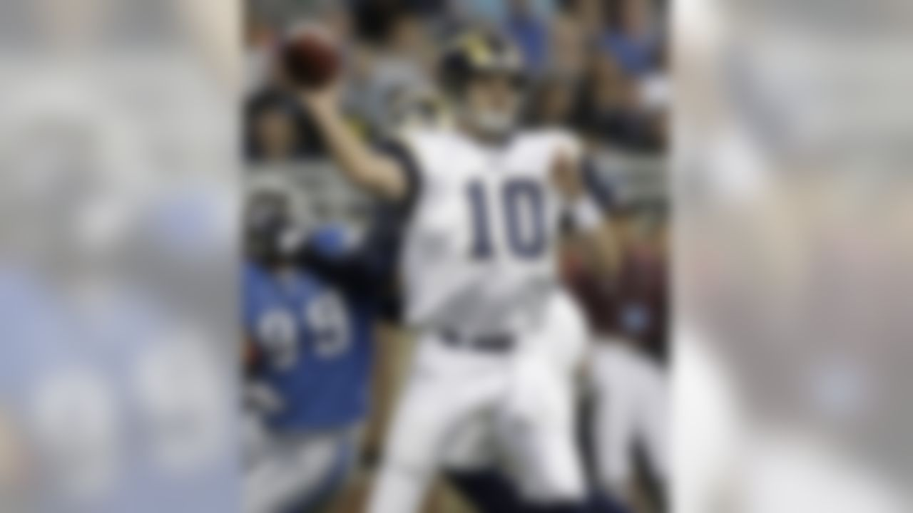 St. Louis Rams quarterback Marc Bulger throws against the Detroit Lions in the fourth quarter of an NFL football game in Detroit, Sunday, Nov. 1, 2009. St. Louis won 17-10. (AP Photo/Paul Sancya)