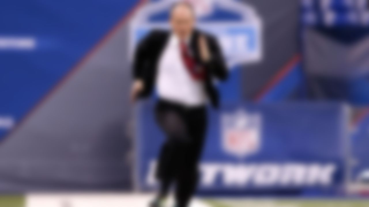 NFL Network's Rich Eisen runs the 40-yard dash at the 2013 NFL Scouting Combine at Lucas Oil Stadium in Indianapolis, on Feb. 25, 2013.