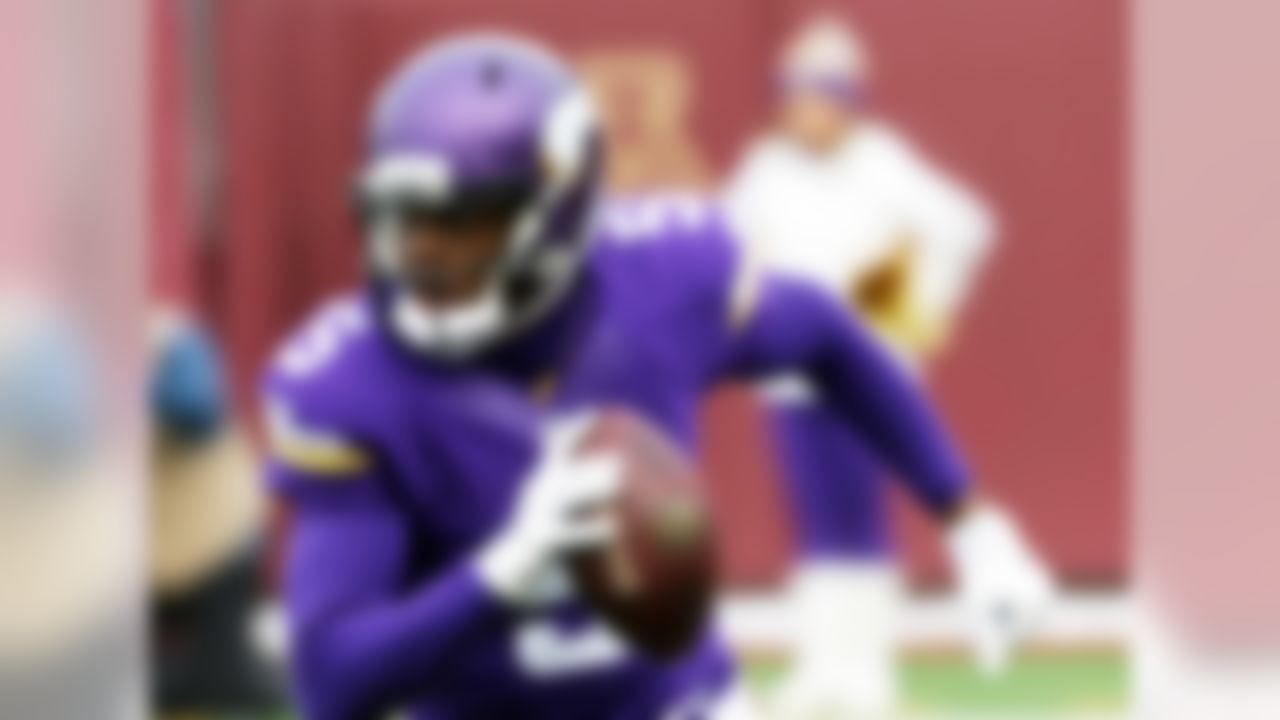 Bridgewater beats out Derek Carr on this list, mostly because he avoided the valleys that the Raiders quarterback experienced in his rookie campaign. While each player's stats weren't too far off -- Carr had seven more touchdown passes, while Bridgewater posted a completion percentage that was six points higher -- Teddy's game-by-game consistency is a harbinger of larger success to come.