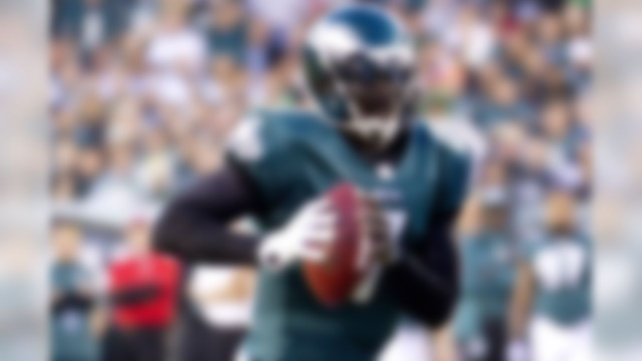 Nick Foles is going to miss the team�s regular-season finale with a broken hand, so Vick is back in the spotlight for both the Eagles and fantasy owners alike. He has a great matchup against the New York Giants, who give out fantasy points to quarterbacks like Santa Claus gives out presents to kids on Christmas morning.