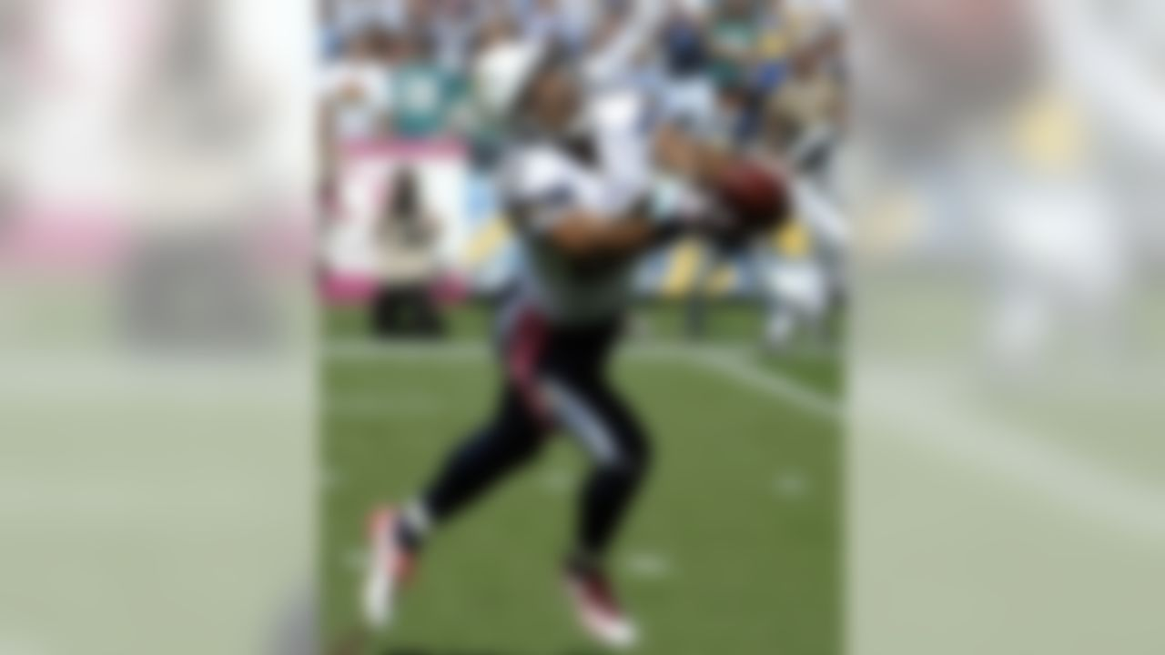 San Diego Chargers wide receiver Vincent Jackson hauls in a touchdown pass against the Miami Dolphins during the first half of a NFL football game Sunday, Oct. 2, 2011, in San Diego. (AP Photo/Denis Poroy)