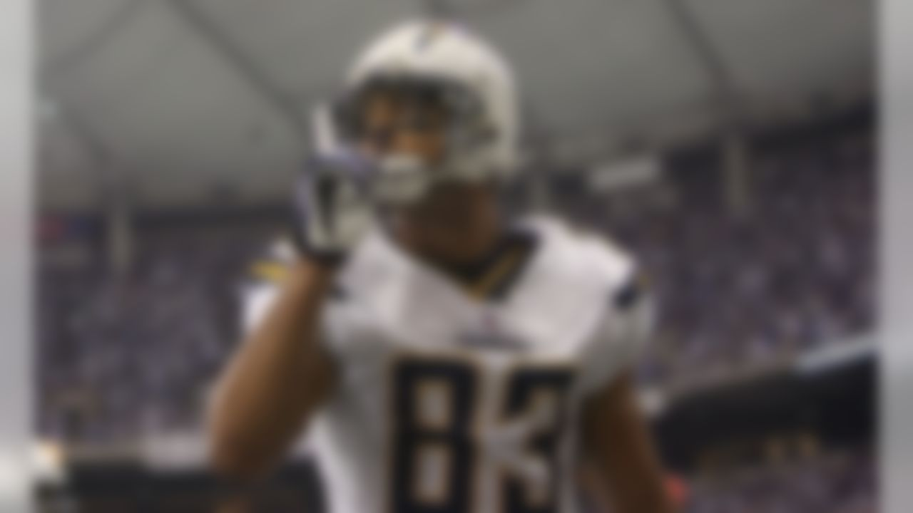 INDIANAPOLIS - JANUARY 13:  Vincent Jackson #83 of the San Diego Chargers celebrates after he scored on a 14-yard touchdown pass in the second quarter against the Indianapolis Colts during their AFC Divisional Playoff game at the RCA Dome on January 13, 2008 in Indianapolis, Indiana.  (Photo by Streeter Lecka/Getty Images)