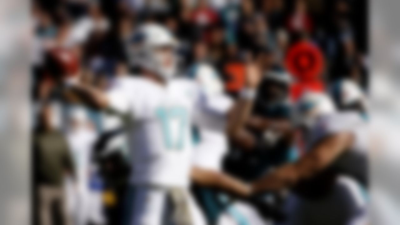Miami Dolphins' Ryan Tannehill passes during the first half of an NFL football game against the Philadelphia Eagles, Sunday, Nov. 15, 2015, in Philadelphia. (AP Photo/Michael Perez)