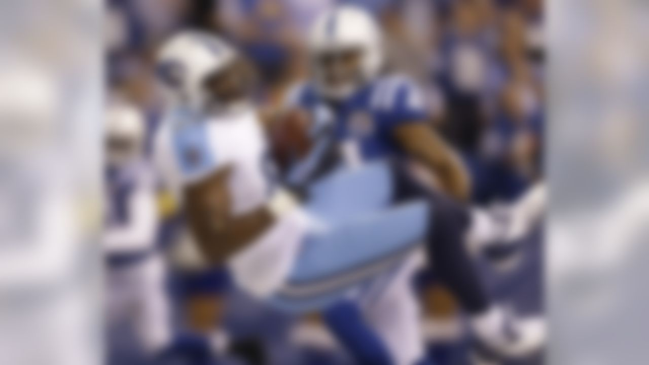 Tennessee Titans' Jared Cook (89) makes an 18-yard touchdown reception against Indianapolis Colts' Antoine Bethea (41) during the first half of an NFL football game Sunday, Dec. 9, 2012, in Indianapolis. (AP Photo/Jeff Roberson)