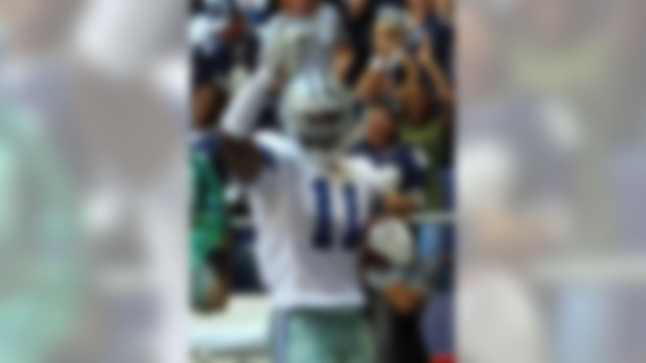 IRVING, TX - OCTOBER 26:  Wide receiver Roy Williams #11 of the Dallas Cowboys celebrates a touchdown against the Tampa Bay Buccaneers at Texas Stadium October 26, 2008 in Irving, Texas.  (Photo by Ronald Martinez/Getty Images)