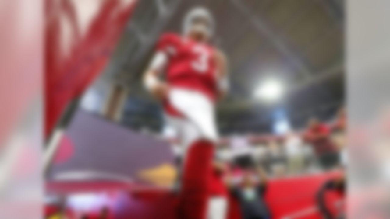 Arizona Cardinals quarterback Carson Palmer (3) takes the field prior to an NFL football game against the San Francisco 49ers, Sunday, Sept. 27, 2015, in Glendale, Ariz.  (AP Photo/Matt York)