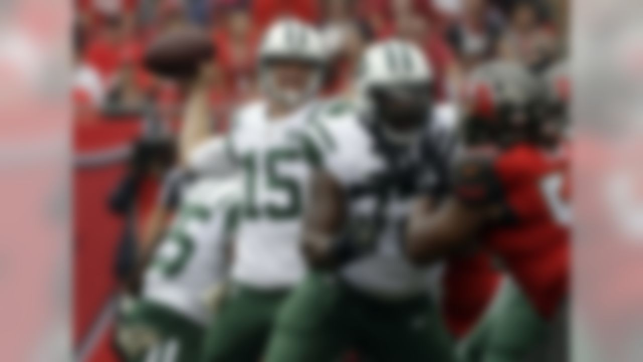 New York Jets quarterback Josh McCown (15) throws a pass against the Tampa Bay Buccaneers during the first half of an NFL football game Sunday, Nov. 12, 2017, in Tampa, Fla. (AP Photo/Chris O'Meara)