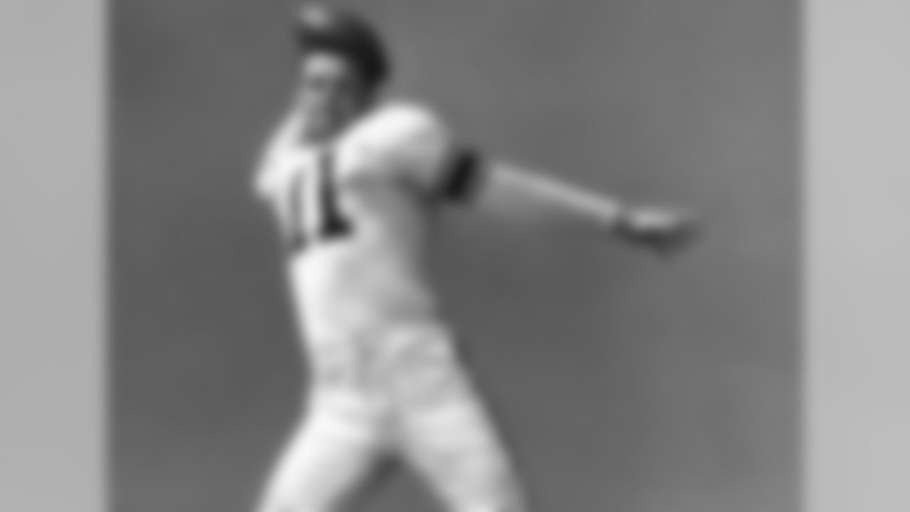 Los Angeles Rams vs. New York Yanks, September 28, 1951.(National Football League)