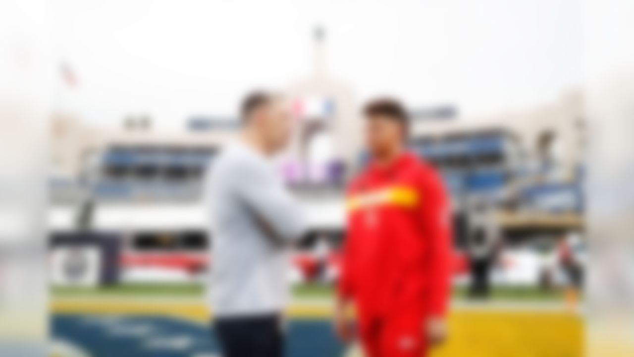 NFL Network's Kurt Warner talks with Kansas City Chiefs quarterback Patrick Mahomes (15) prior to an NFL football game against the Los Angeles Rams on Monday, Nov. 19, 2018, in Los Angeles. (Ric Tapia/NFL)