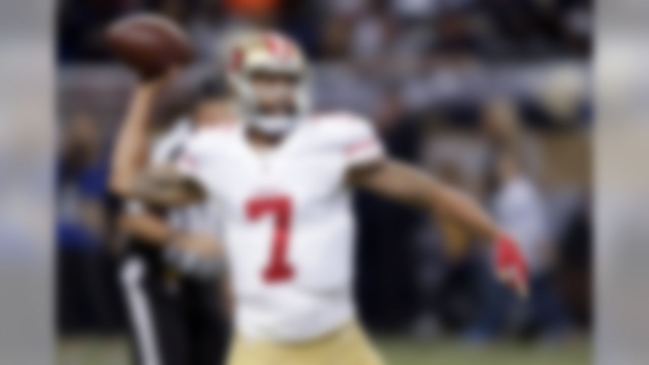 San Francisco 49ers quarterback Colin Kaepernick throws during the first quarter of an NFL football game against the St. Louis Rams, Sunday, Nov. 1, 2015, in St. Louis. (AP Photo/Tom Gannam)