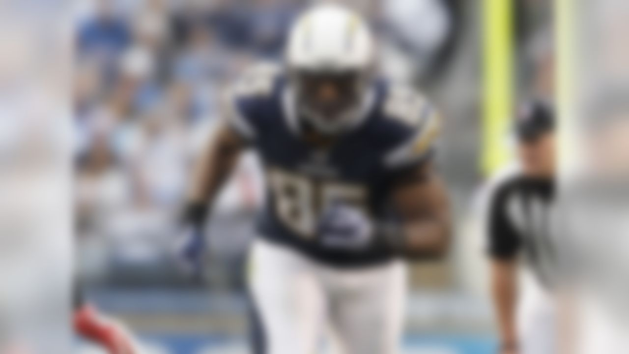 I normally don't try to include players so highly owned in this column (although there's one even more highly owned than Gates), but this is just to serve as a reminder that Philip Rivers' favor target returns to the field next week after serving a four-game suspension. If Gates somehow wound up on the waiver wire in your league over the last few weeks, he's definitely worth scooping up. Both Steve Johnson and Malcom Floyd suffered injuries on Sunday, taking away two of Rivers' top targets. Gates could step in and immediately see a healthy amount of targets on a week when Greg Olsen, Jordan Cameron and Kyle Rudolph are all on byes. FAAB suggestion: 10-15 percent.