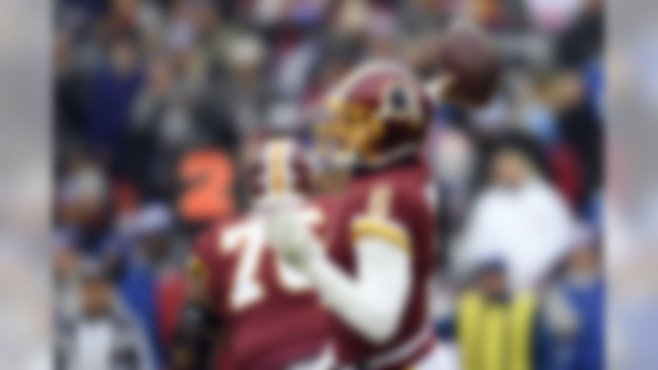 Washington Redskins quarterback Mark Sanchez (6) throws during the first half of an NFL football game against the New York Giants, Sunday, Dec. 9, 2018, in Landover, Md. (AP Photo/Nick Wass)