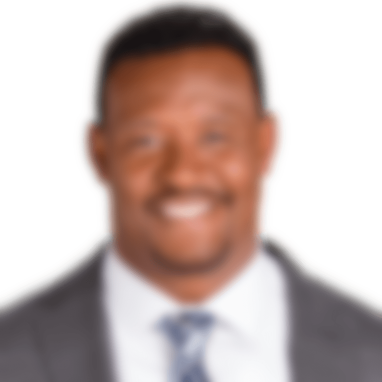 Willie_McGinest_1400x1000