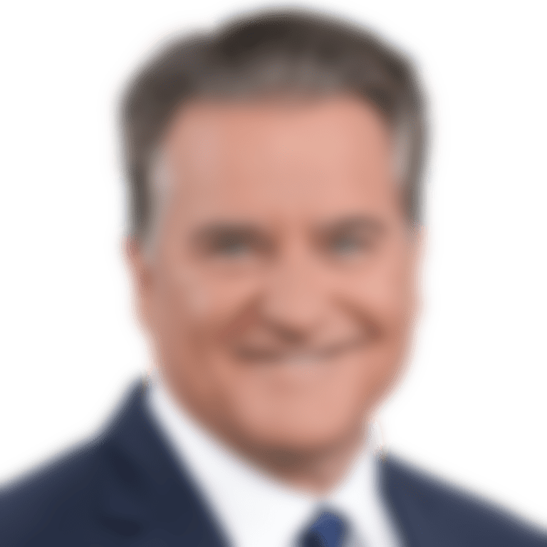 Headshot picture of Steve Mariucci