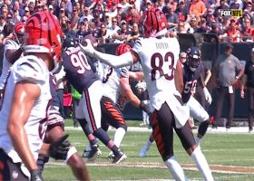 Tyler Boyd turns around to make one-handed grab