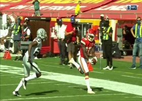 Mahomes reaches launch point on 37-yard bomb to speedy Hill