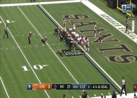 Bears deny Brees' airborne QB sneak to force turnover on downs